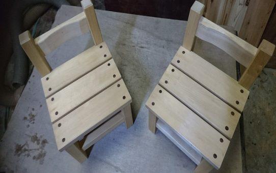 大人でも座れる子供椅子